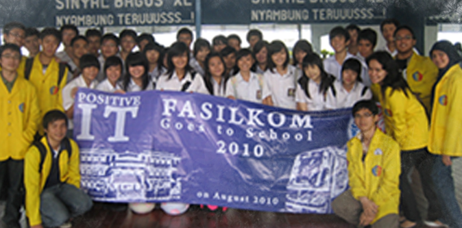 Fasilkom Goes to School 2010