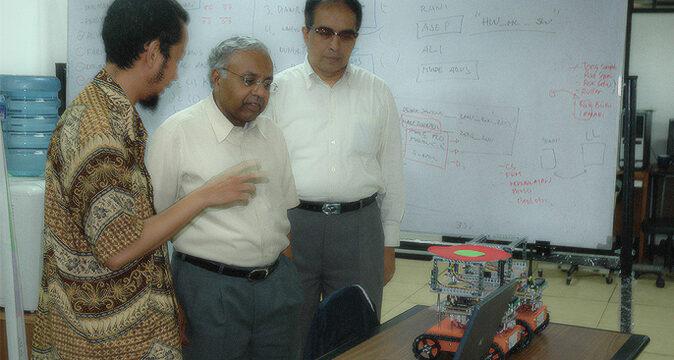 Bioinformatics dan Dr. Virendra C. Bhavsar